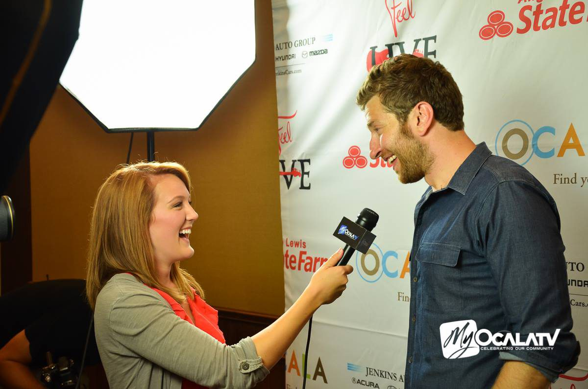 Tori Petry interviews Brett Eldredge